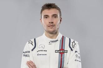 Российский гонщик «Формулы-1» Сергей Сироткин