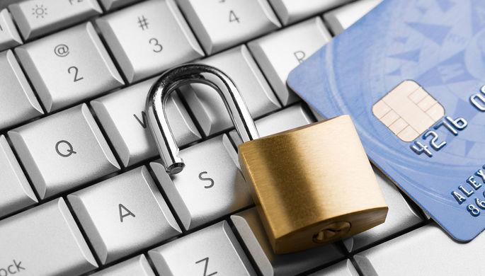 Не надо секретов: банки обяжут объяснять клиентам блокировку счетов