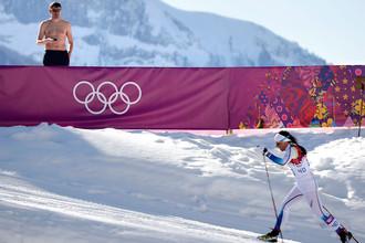 Спортсменка из Швеции во время кросса на Олимпиаде в Сочи, 2014 год