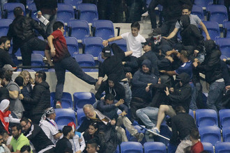 Участились беспорядки, вызванные агрессивными футбольными фанатами