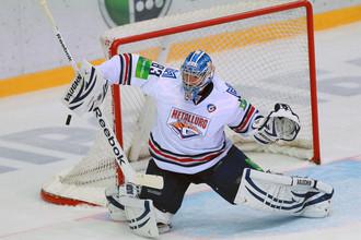 Вратарь «Магнитки» Василий Кошечкин помог своей команде одолеть грозный «Барыс»
