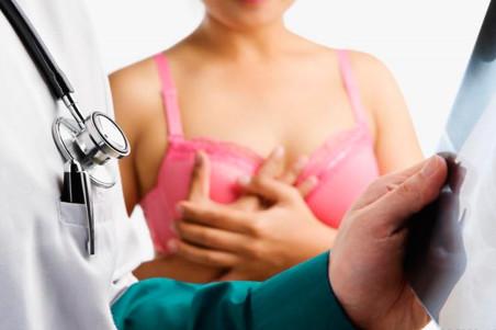 Ученые выяснили, как остановить проникновение рака груди в кость