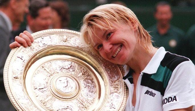 Чешская теннисистка Яна Новотная после победы на Уимблдонском турнире