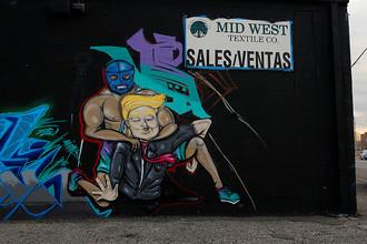 Граффити с изображением рестлера и президента США Дональда Трампа в Эль-Пасо (штат Техас), 17 января 2017 года