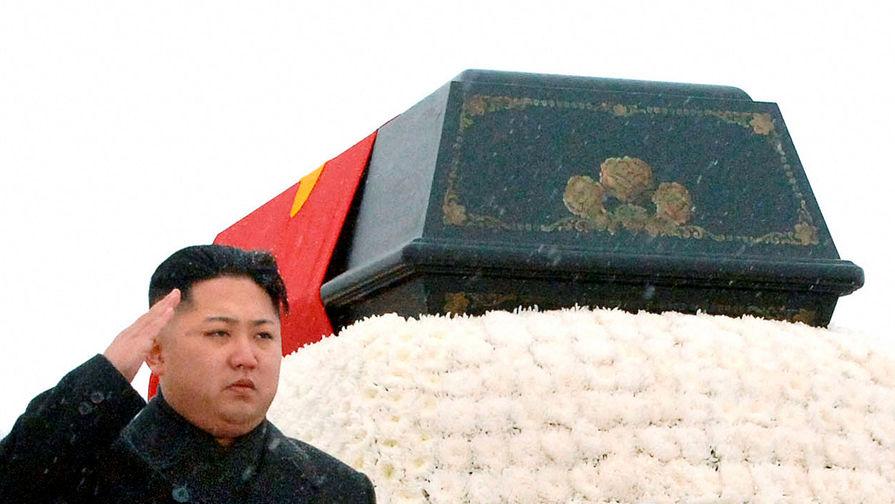 Ким Чен Ын на похоронах Ким Чен Ира в Пхеньяне, 28 декабря 2011 года