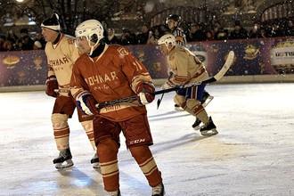 Владимир Путин в товарищеской встрече Ночной хоккейной лиги