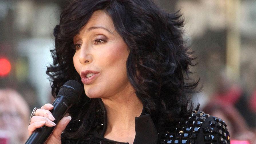 Шер потребовала $1 млн от вдовы бывшего мужа Сонни Боно
