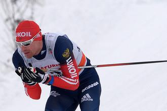 Лыжник Максим Вылегжанин