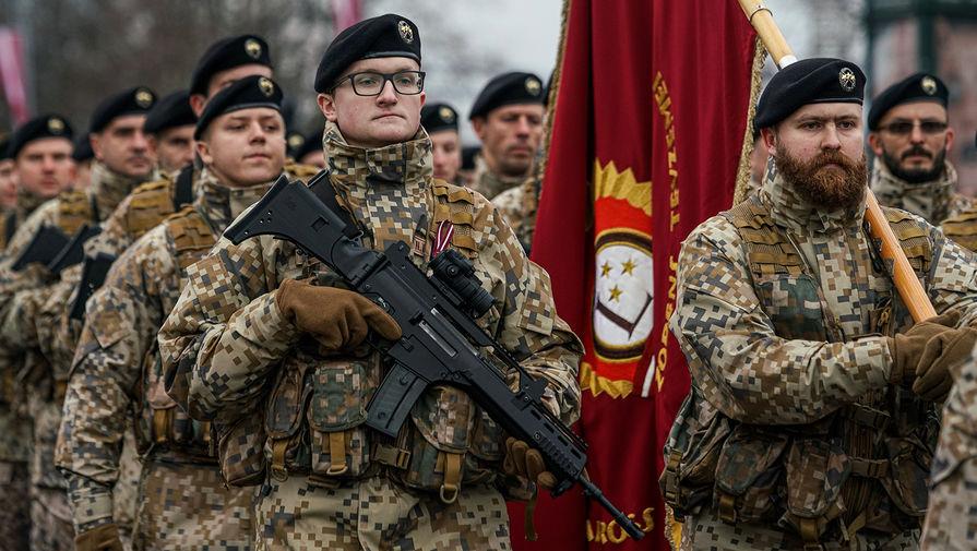 В Латвии обсуждается снижение требований к новобранцам