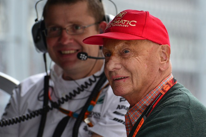 Легендарный автогонщик, трехкратный чемпион мира в классе Формула-1 Ники Лауда