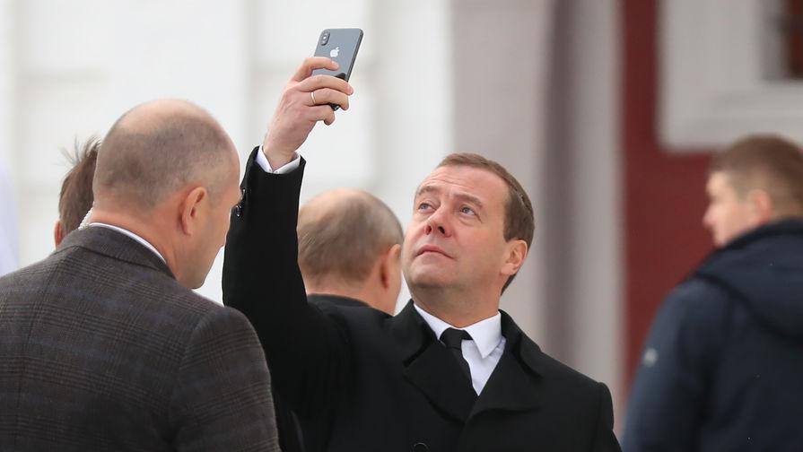 Медведев представил Путину проект структуры кабинета министров