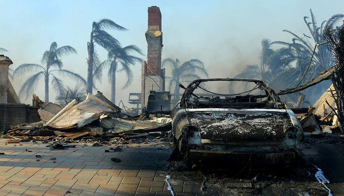 Последствия пожара в городе Вентура, Калифорния, США, 6 декабря 2017 года