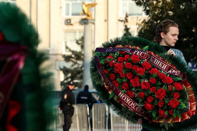 Церемония прощания с погибшими при нападении на Керченский политехнический колледж, 19 октября 2018 года