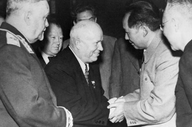 Прием Председателем КНР Мао Цзе Дуном членов советской правительственной делегации во главе с Н.С.Хрущевым
