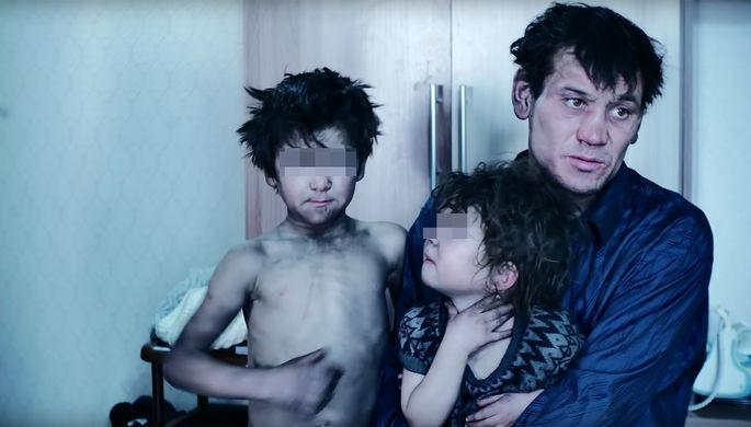 «Скитались в шалашах»: суд решил судьбу матери детей-маугли