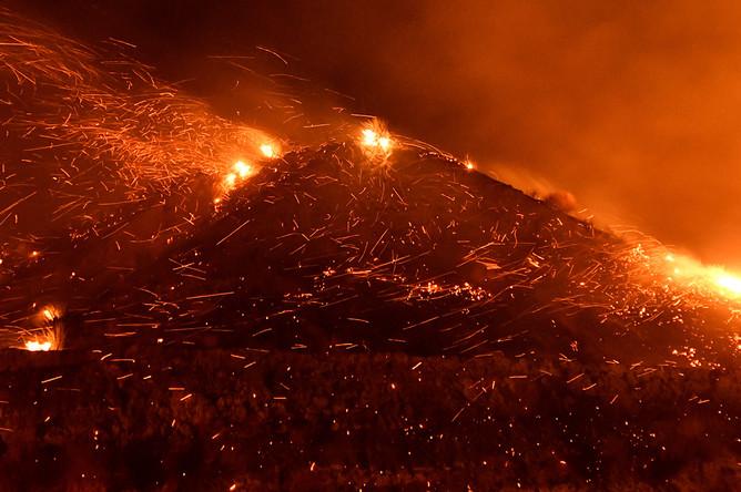 Ситуация в городе Санта-Кларита, Калифорния, 25 октября 2019 года