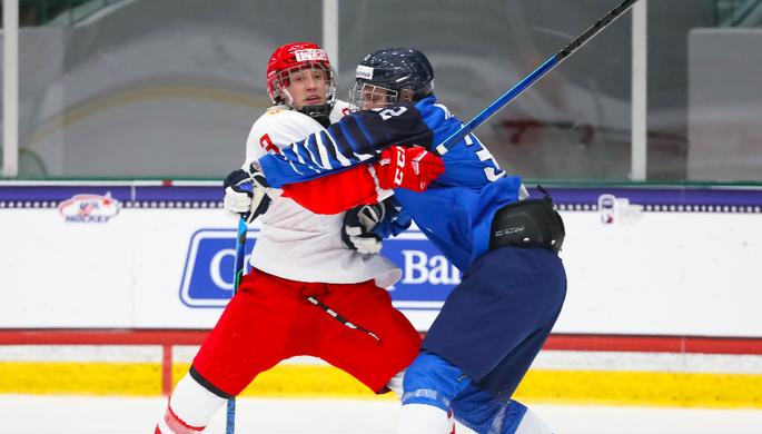 Эпизод матча Финляндия — Россия на юниорском чемпионате мира по хоккею