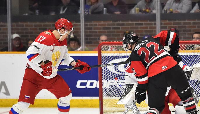 Нападающий сборной России Герман Рубцов (слева) оформил дубль в матче с командой OHL