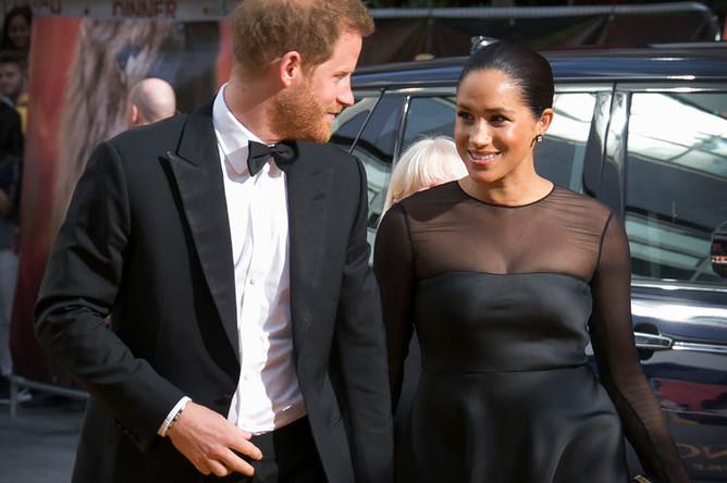 Принц Гарри и герцогиня Сассекская Меган перед европейской премьерой фильма «Король лев» в Лондоне, 14 июля 3019 года
