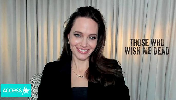 Анджелина Джоли во время интервью, май 2011 года