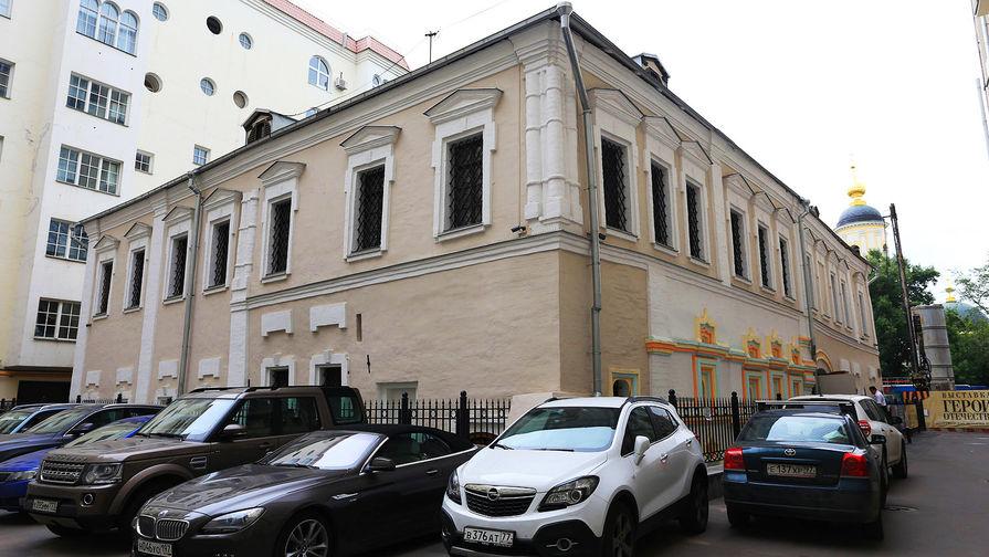 «Стрелецкие палаты» в Лаврушинском переулке