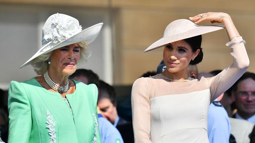 Супруга принца Чарльза затаила обиду на Меган Маркл