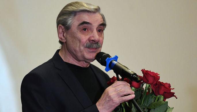 Александр Панкратов-Черный во время церемонии прощания с Алексеем Булдаковым в Центральном доме кино в Москве, апрель 2019 года