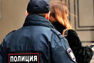 «Сказал быть послушной»: полицейские заявили о шефе-насильнике