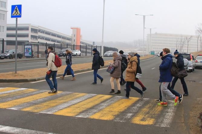 автобусов во владивостоке женщина сбила пешеходов видео РУК РУКИ