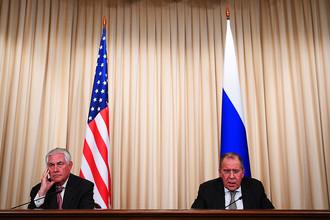 Государственный секретарь США Рекс Тиллерсон и министр иностранных дел РФ Сергей Лавров во время совместной пресс-конференции по итогам переговоров в Москве, 12 июня 2017 года