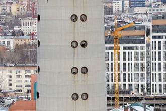 Недостроенная телебашня высотой 210 метров в центре Екатеринбурга, 21 марта 2018 года