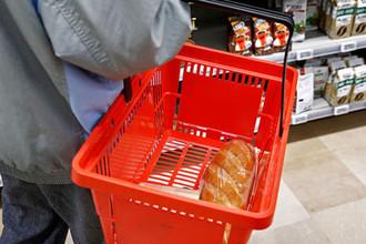 Работают за еду: на чем экономят россияне