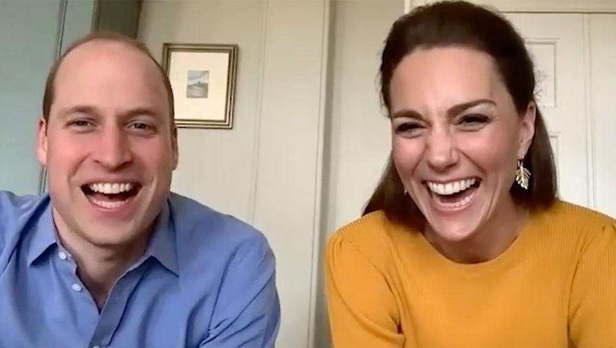 Принцесса в свитере: как Виндзоры поддерживают британцев