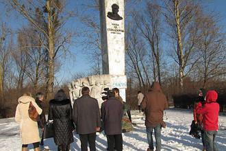 Памятник генералу Черняховскому в Пененжно