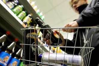 Органы здравоохранения, законодатели и ученые пытаются разобраться во вреде от энергетических напитков