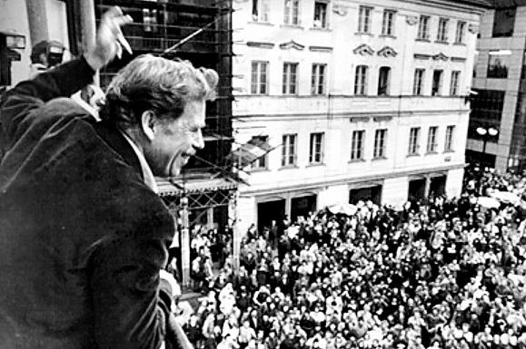 a history of the velvet revolution in czechoslovakia