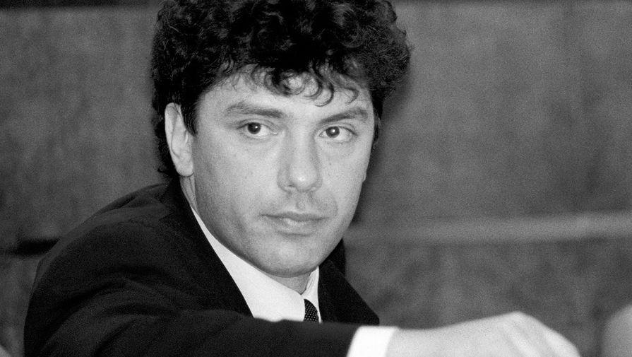 Борис Немцов в зале заседаний Совета Федерации, 1997 год