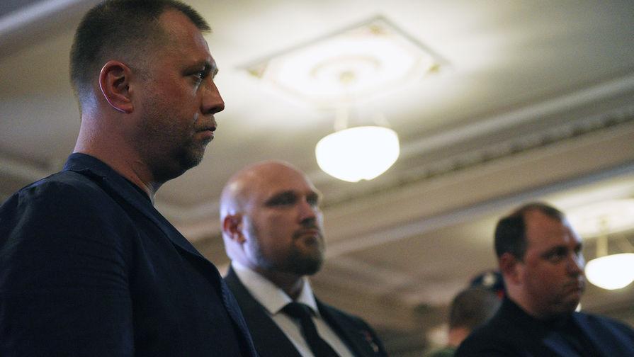 Глава «Союза добровольцев Донбасса» Александр Бородай (слева) на церемонии прощания с главой ДНР Александром Захарченко, 2 сентября 2018 года