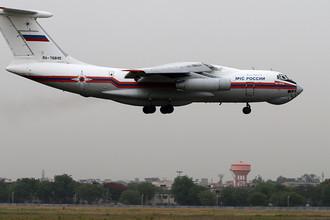 Самолет Ил-76 МЧС