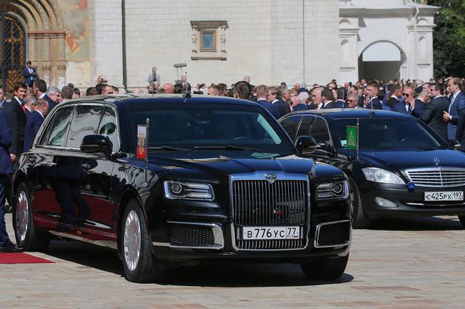 Президентский лимузин Aurus проекта «Кортеж» во время церемонии инаугурации Владимира Путина в Кремле, 7 мая 2018 года