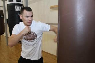Дмитрий Чудинов готов отправить в нокаут Патрика Менди