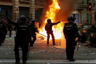 «Жалко город»: россияне сообщили, что творится в Барселоне