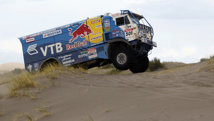 Автомобиль команды «КАМАЗ-мастер» во время ралли «Дакар–2009». Экипажи команды «КАМАЗ-мастер» заняли первое, второе и четвертое места