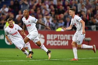 Футболисты «Локомотива» празднуют гол в ворота ЦСКА