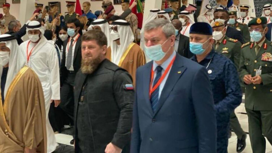 Премьер Украины потребовал объяснений от заместителя за фото с Кадыровым
