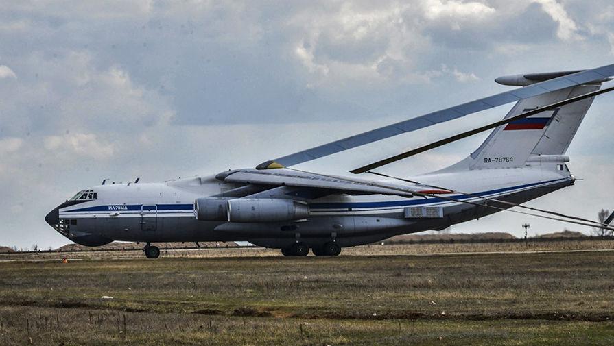 Самолет Ил-76МД на полигоне Опук в Крыму во время учений, 18 марта 2017 года