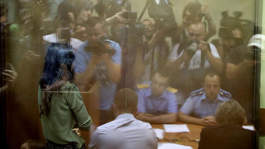 Домой не отпустили: сестры Хачатурян остаются под арестом