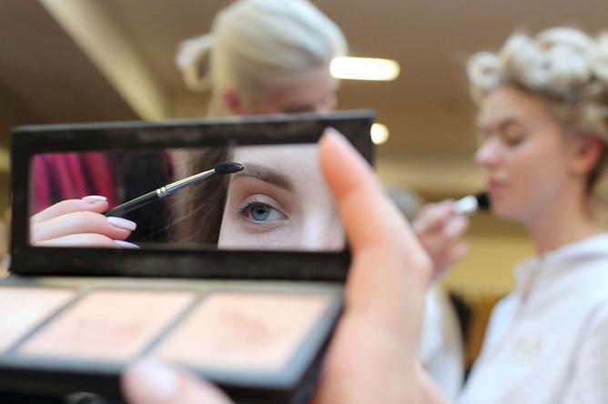 Участницы национального конкурса красоты «Мисс Россия- 2019» во время подготовки к шоу, 13 апреля 2019 года