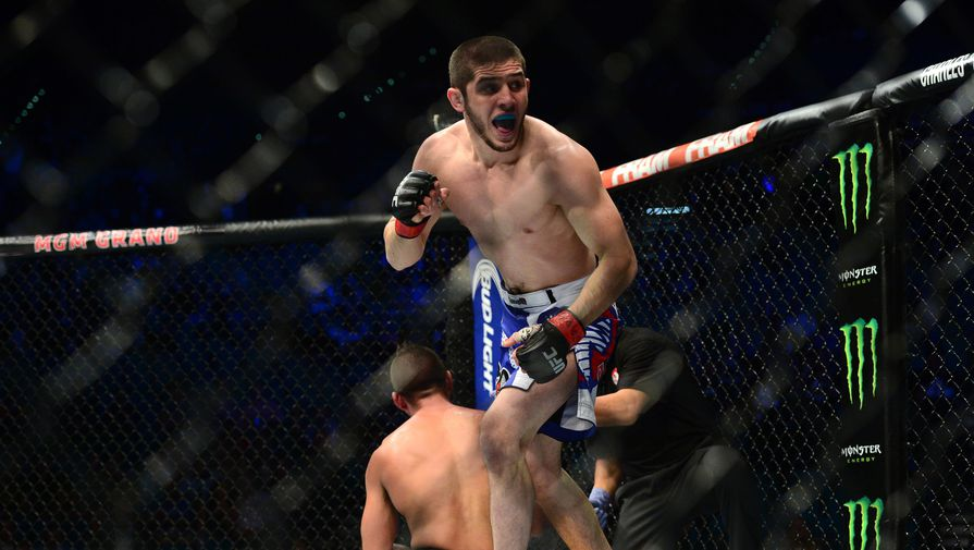 Боец UFC Ислам Махачев после победы над Лео Кунцем