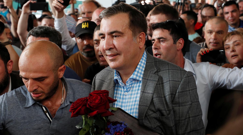 Жена и сын Саакашвили вышли на антироссийский митинг